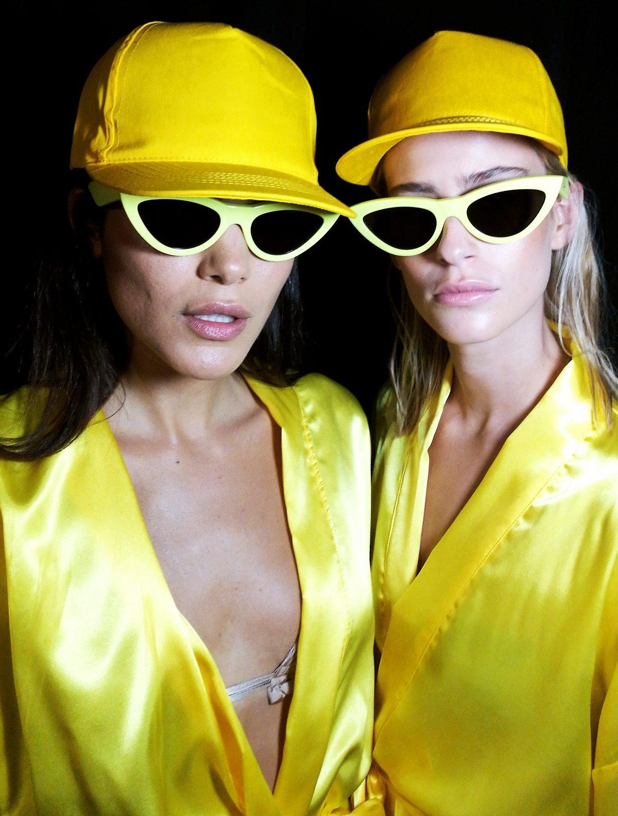 תצוגת בננהוט עם משקפי שמש סלין של אירוקה צילום עידו איזק