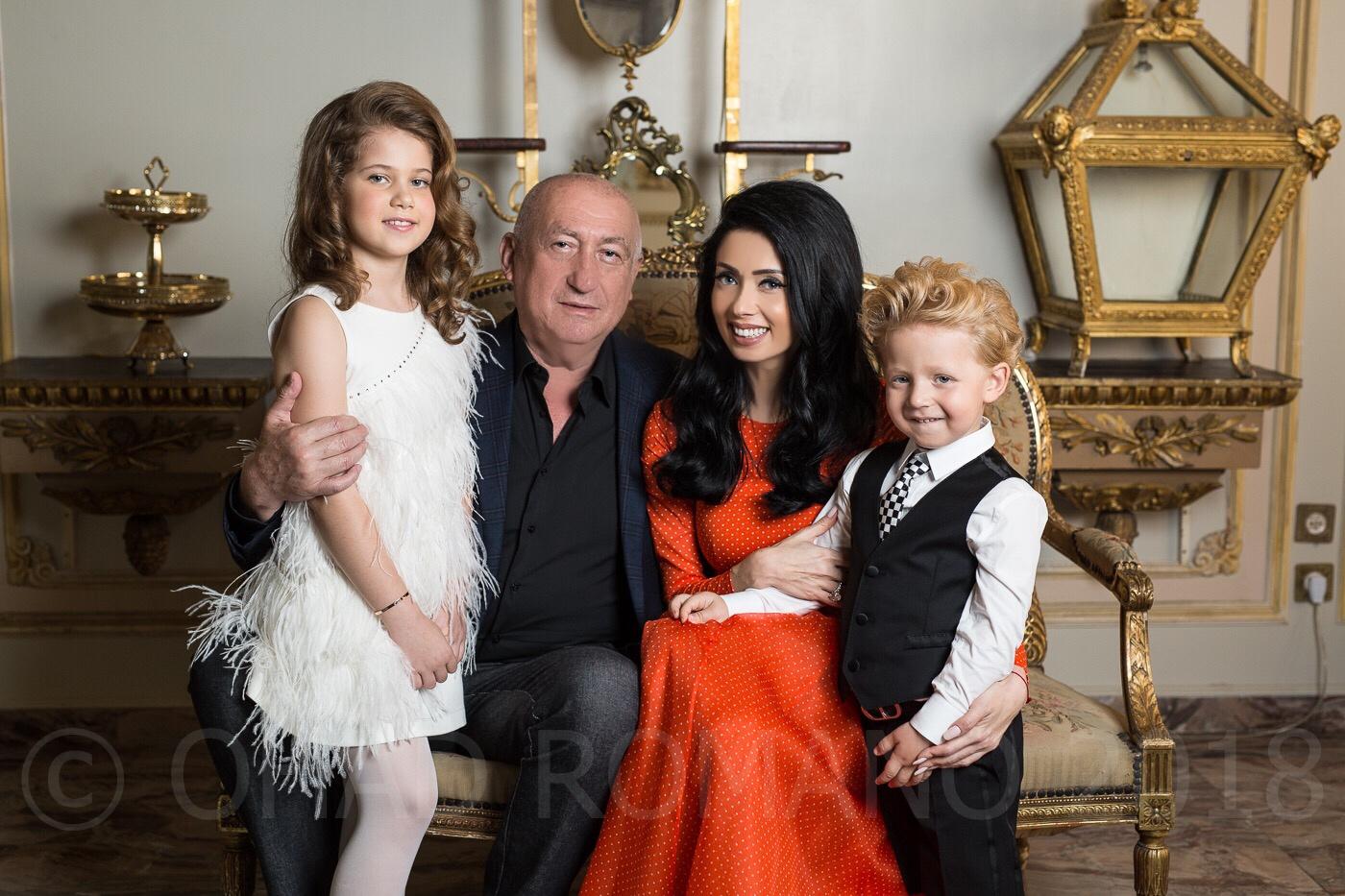 ניקול ראידמן וצרנוי עם ילדיהם צילום אוהד רומנו