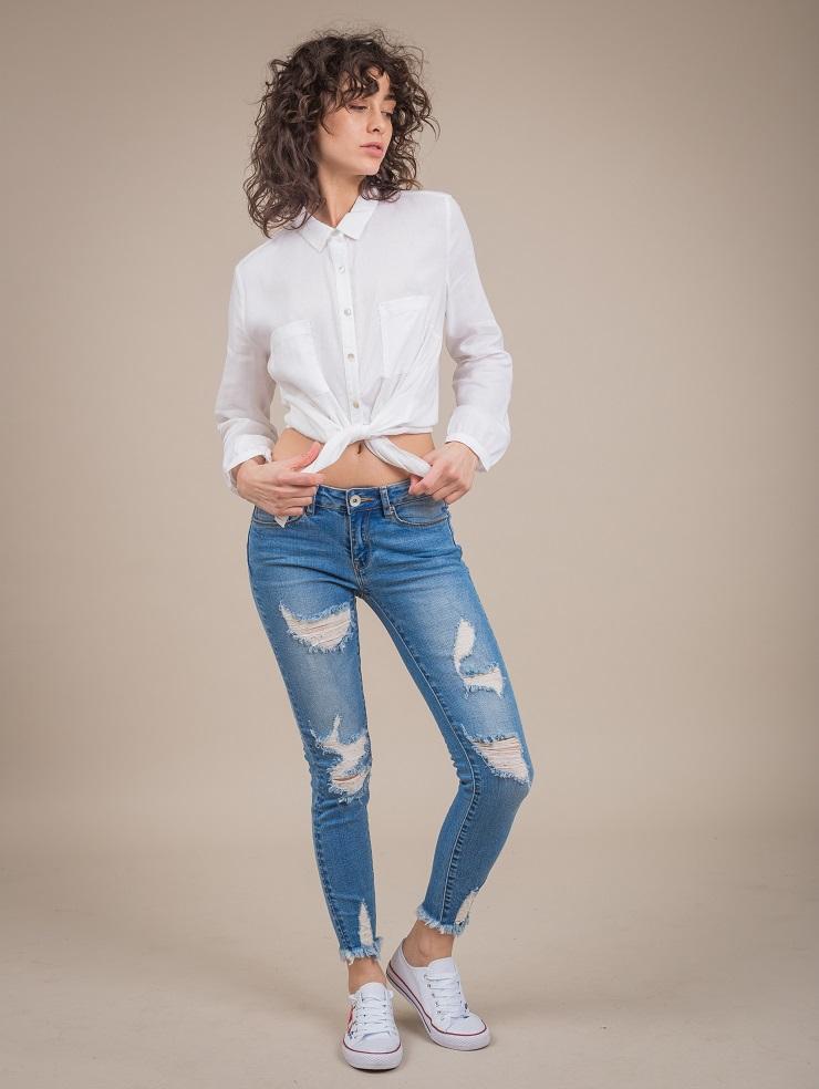 לי קופר חולצה 169.90 שח ג'ינס 249.90 שח נעליים 89.90 שח צילום ניר הדר